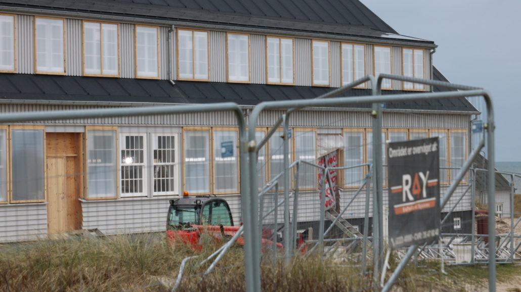 R4Y Sikre genopførelsen af det Danmarks største træhus Svinkløv Badehotel